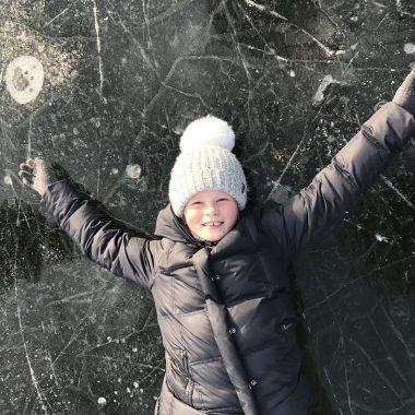 Eislaufen mit Kindern in München – Ausflüge im Winter // HIMBEER