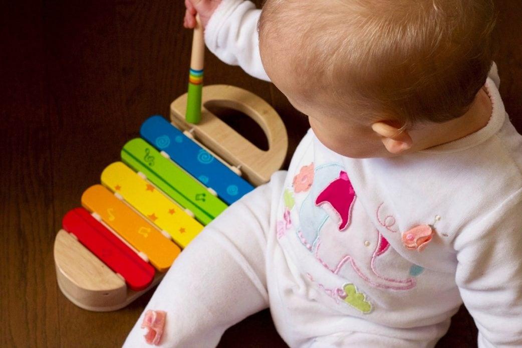 Mini-Tipps für München mit Kleinkind oder Baby im Januar: Kurse für Babys mit Musik und Spiel // HIMBEER