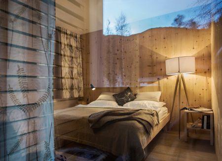 Bett im Hotel Saalerwirt – Urlaubsziel für Familien // HIMBEER
