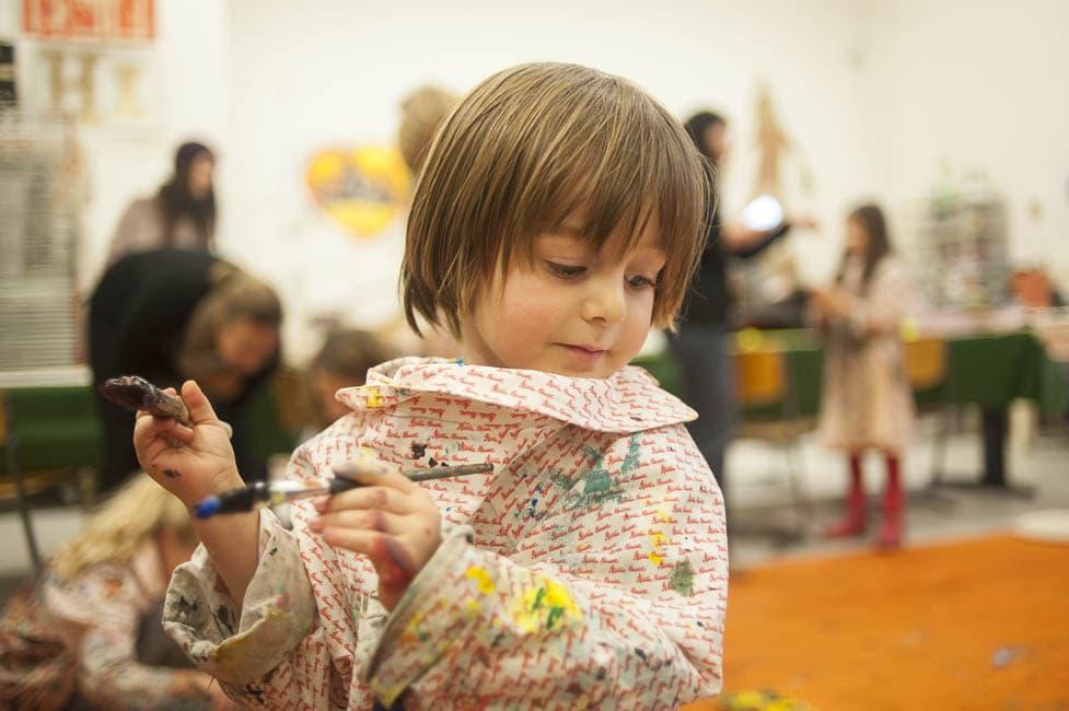 kind, malen, kittel, haus der kunst
