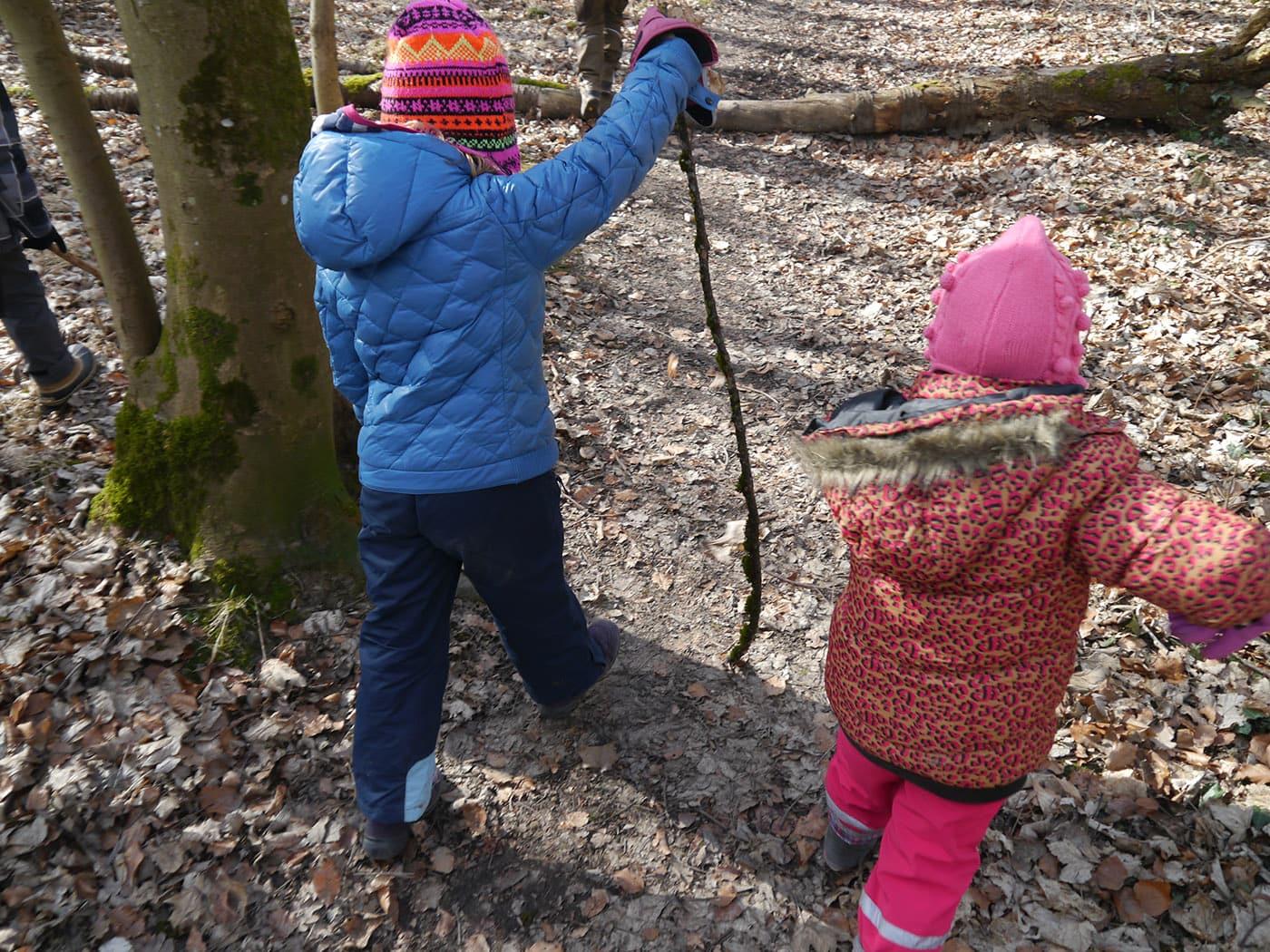 Themenspaziergänge Kinder Wald // HIMBEER