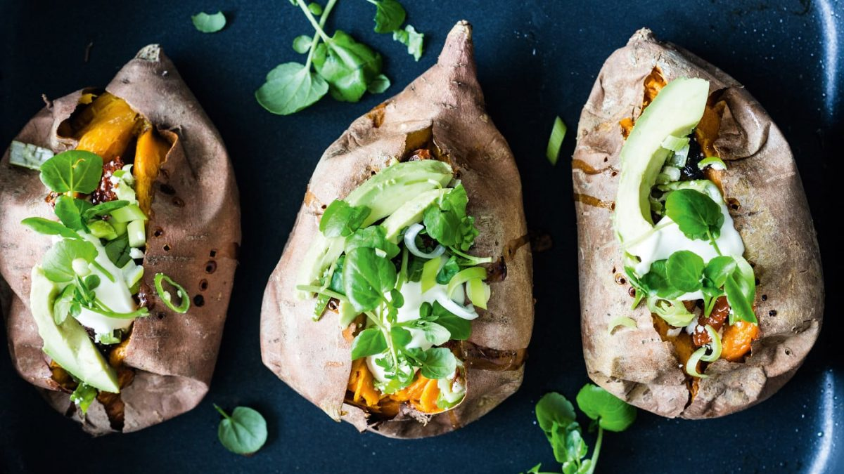 Süßkartoffel mit Gemüsefüllung // HIMBEER