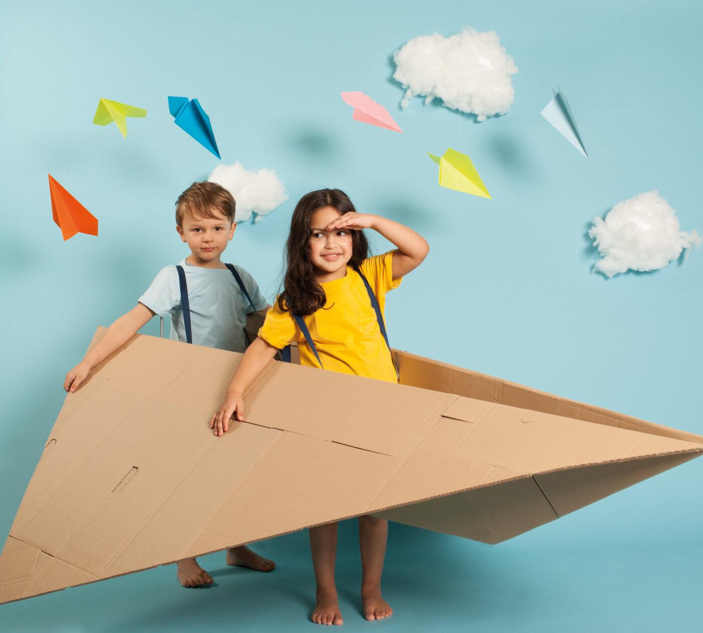 Tipps für die Reise mit Kindern: Fliegen mit Kindern // HIMBEER