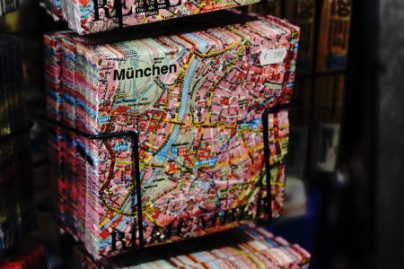 April-Mai Ausgabe HIMBEER Magazin: München // HIMBEER