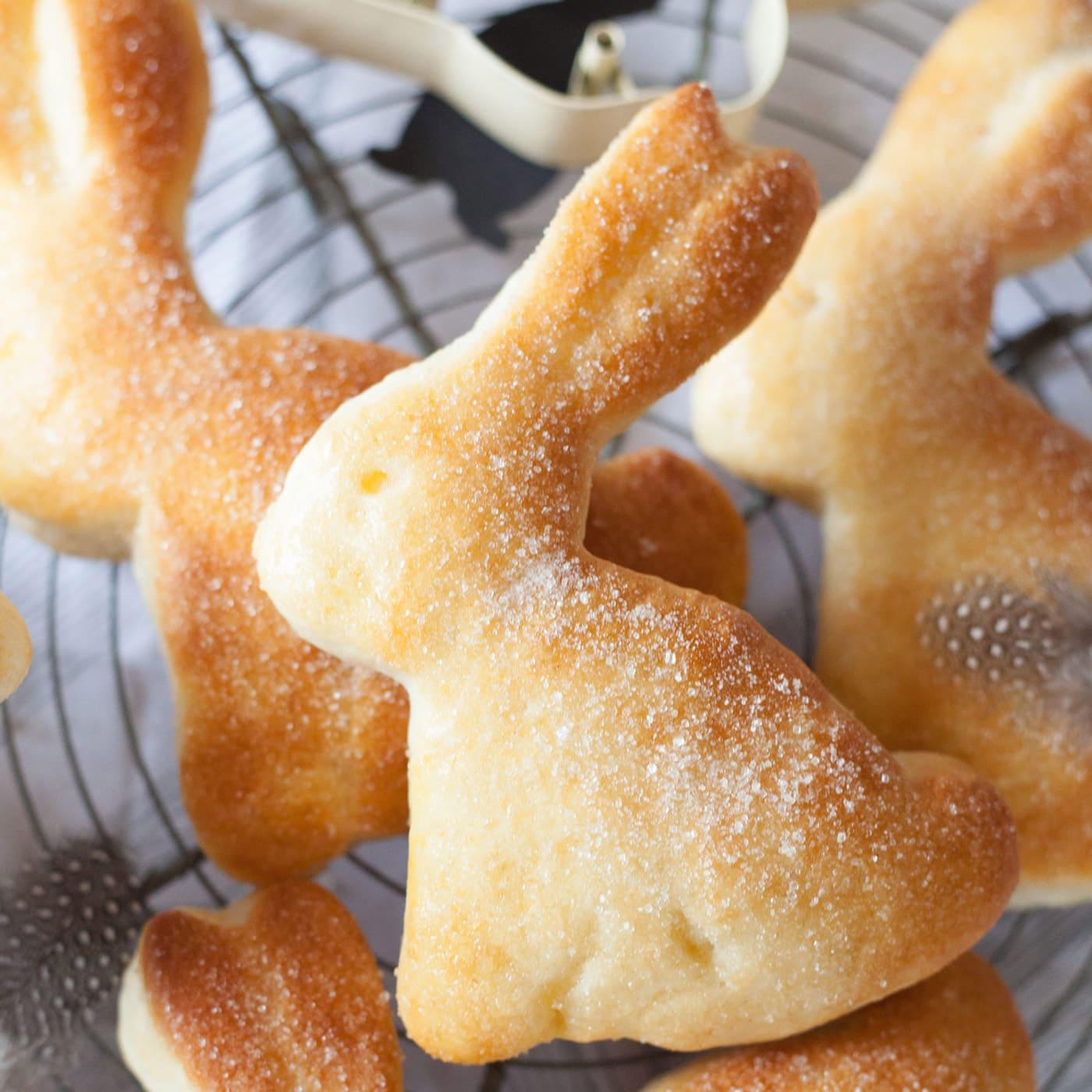 Osterhasen backen – Rezept zu Ostern, Ostern feiern mit Kindern // HIMBEER