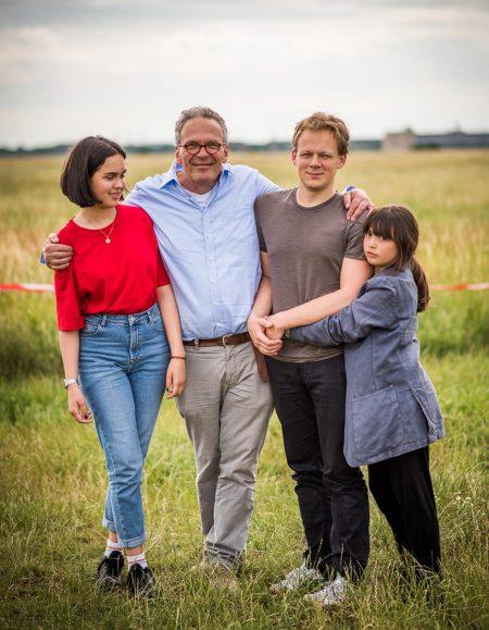 Dreifachvater Matthias mit seinen Kindern // HIMBEER