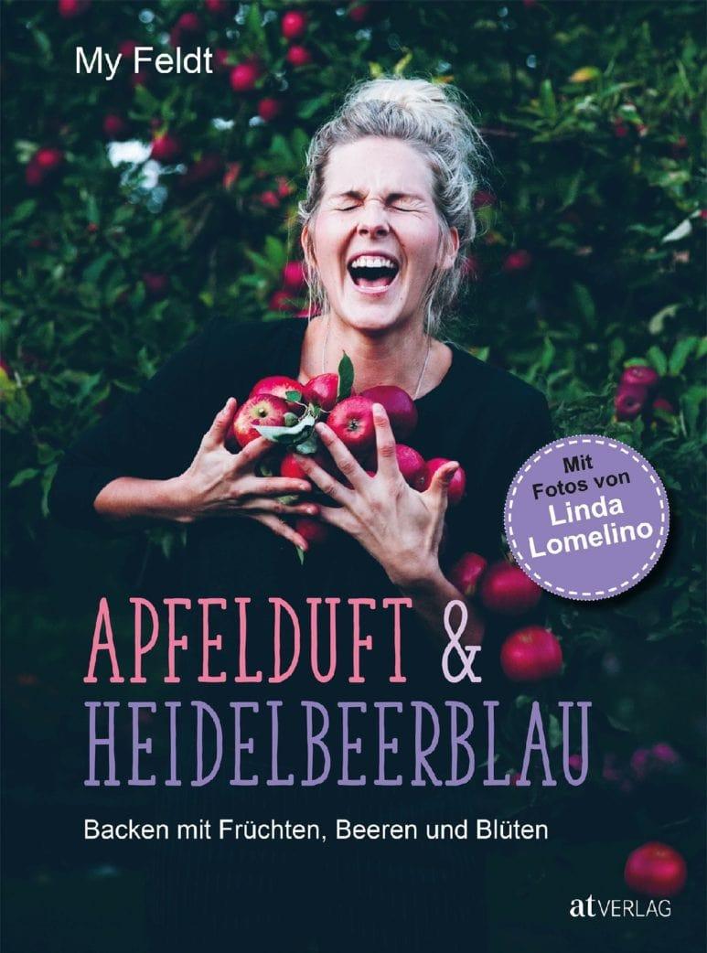 Rhabarber-Mandelkuchen aus Apfelduft & Heidelbeerblau // HIMBEER