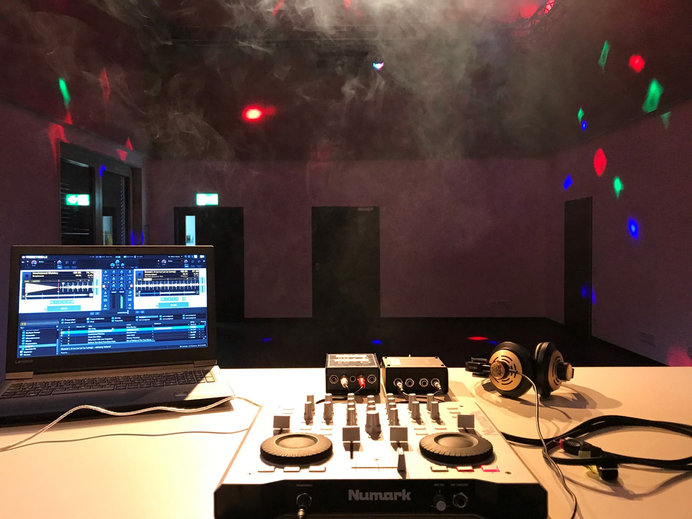 Für Kinder in München: DJ-Workshop für Kinder in den Sommerferien // HIMBEER