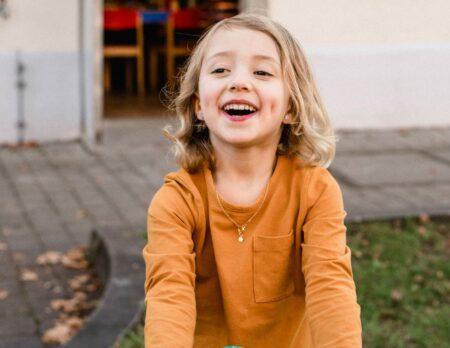 Ferienprogramm im Feierwerk Dschungelpalast: Bastelprogramm für Kinder // HIMBEER