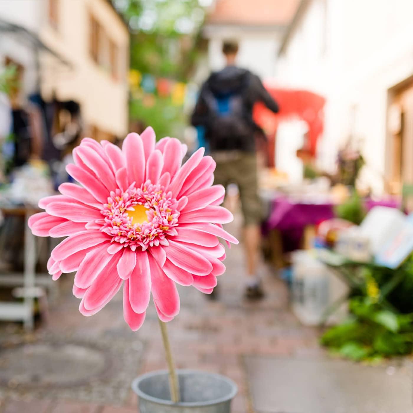 Tipps für Freizeit am Wochenende mit Kindern: Hofflohmärkte in München – Trödeln in der Nachbarschaft // HIMBEER