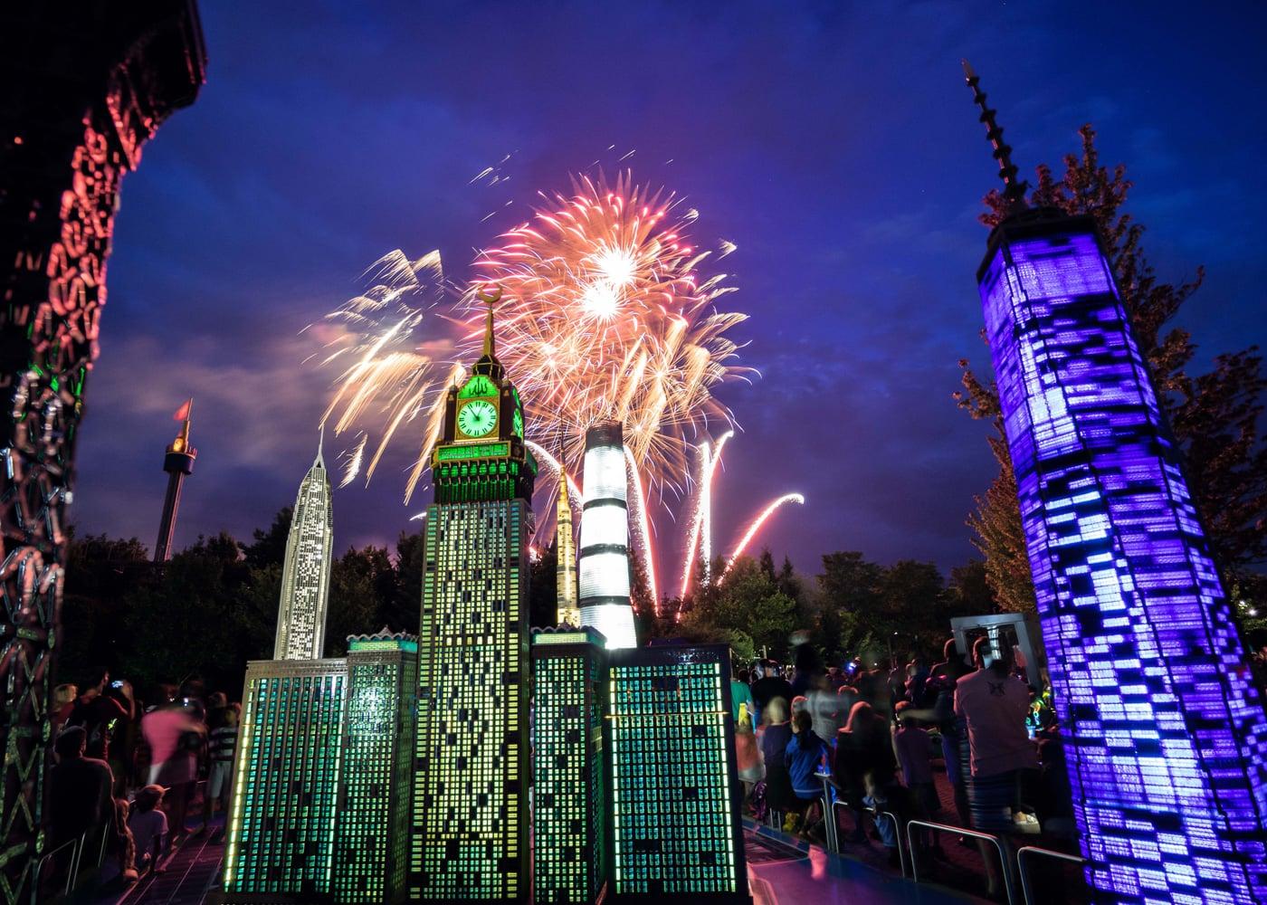 Tipp für das erste Augustwochenende mit Kindern: Lange Nacht im Legoland // HIMBEER