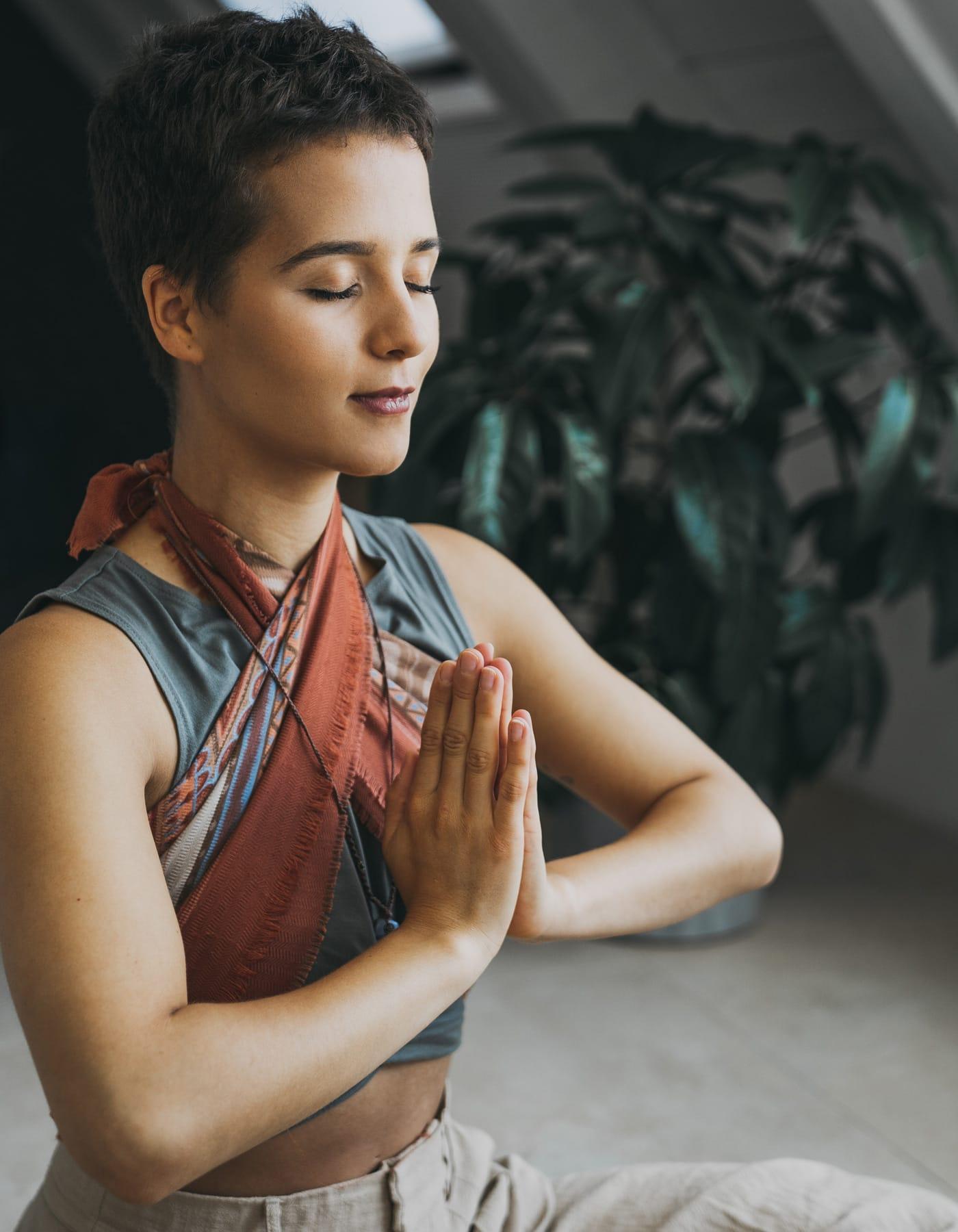 Yogalehrerin Victoria Dias Santos im Interview // HIMBEER