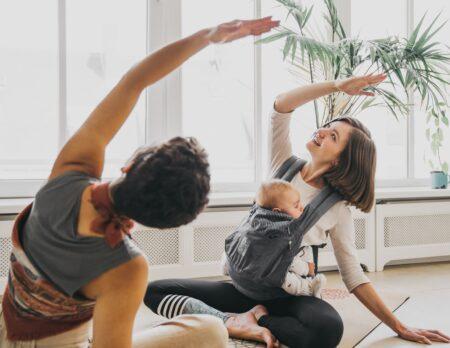 Yoga pränatal und postnatal – Victoria Dias Santos von aliveyoga im Interview // HIMBEER