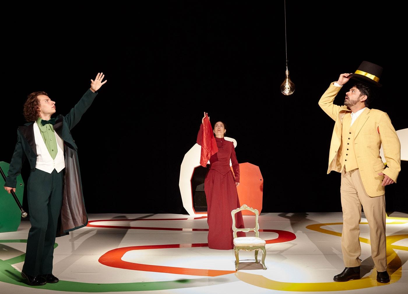 Kindertheater-Stück in München: Der Apfelwald für Kinder ab vier Jahren in der Schauburg // HIMBEER