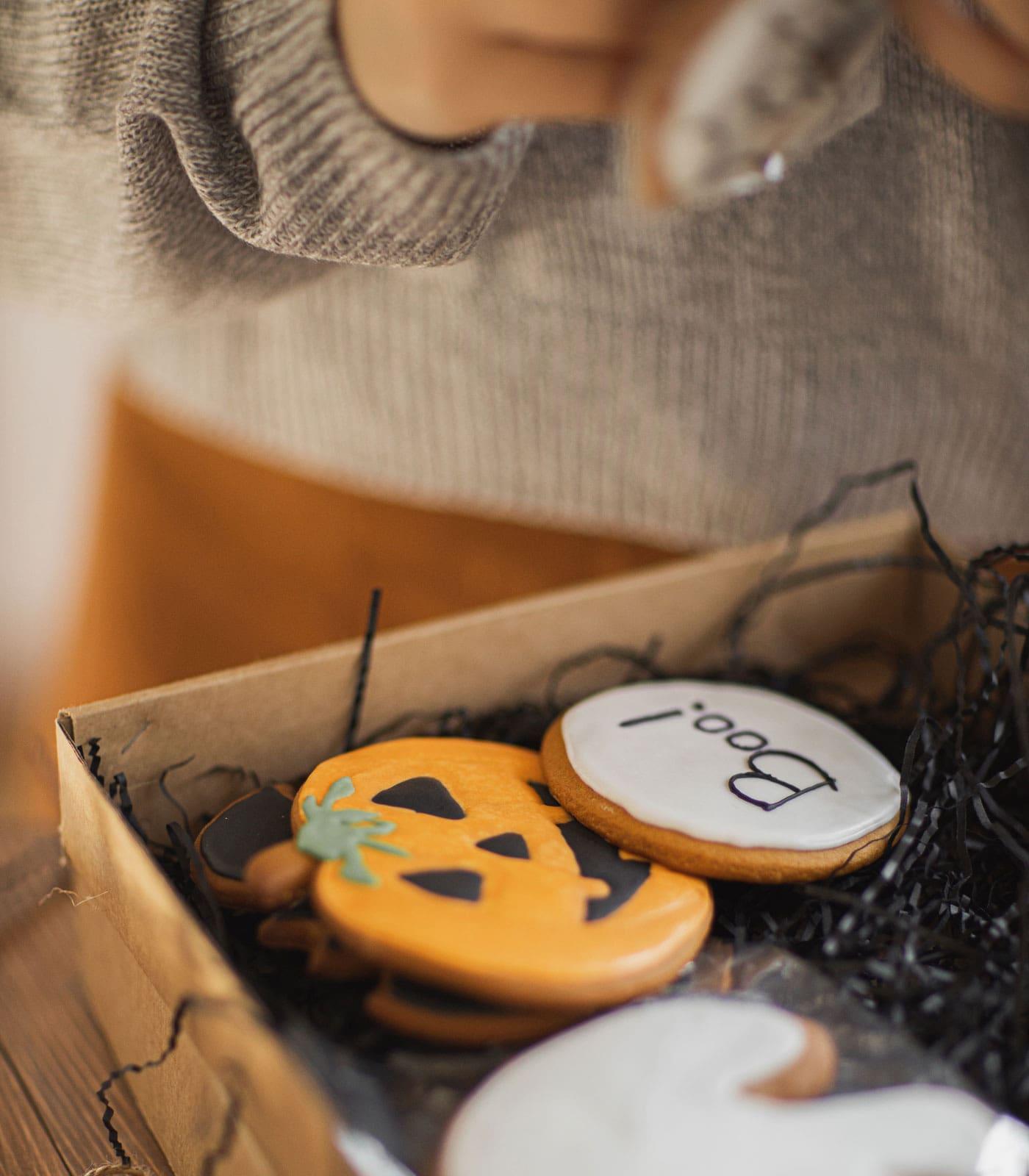 Halloween-Herbstwochenende mit Kindern: Halloween-Kekse backen // HIMBEER