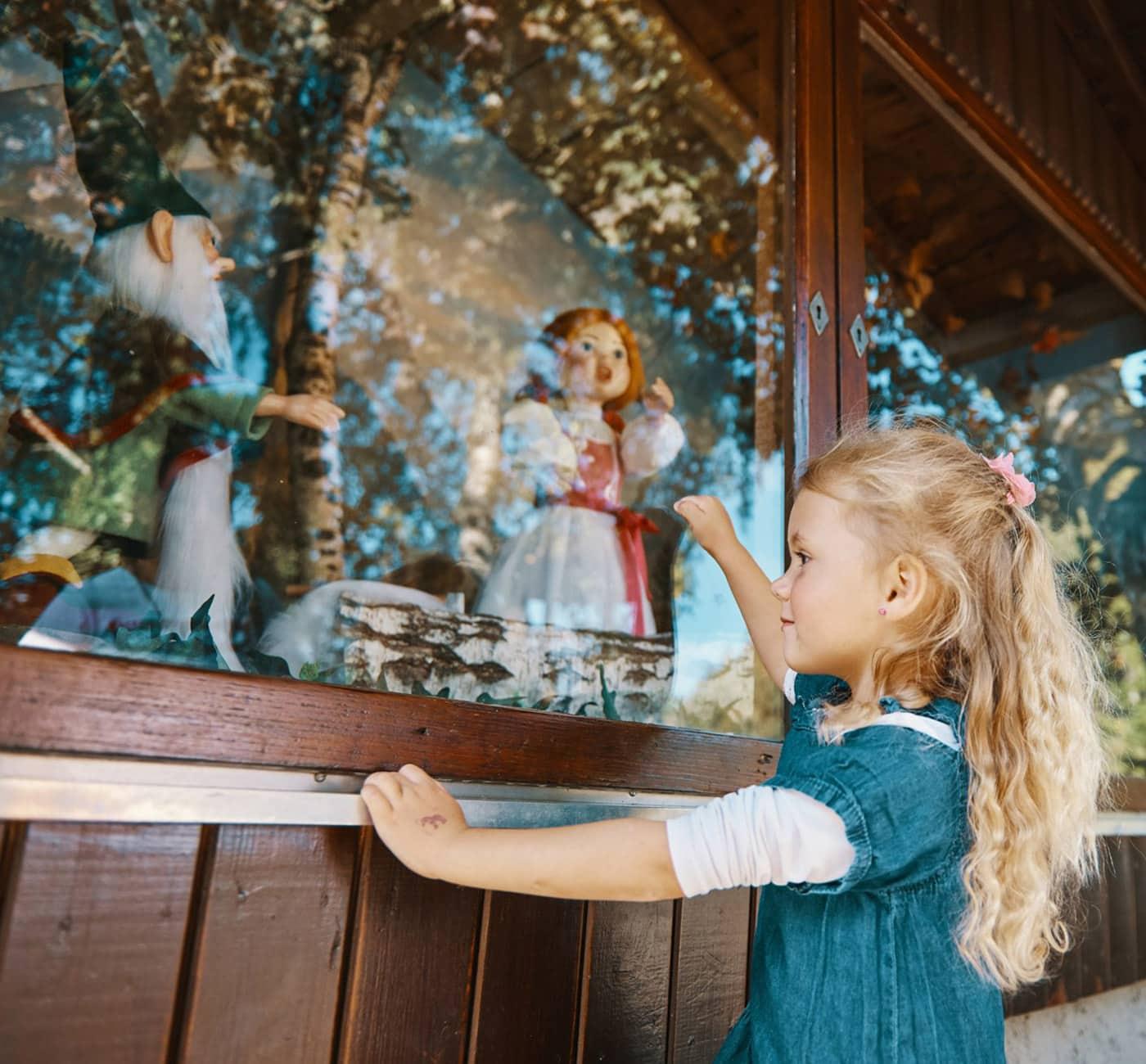 Märchenwelten erleben mit kleinen Kindern: Märchenerlebnispark im Chiemgau // HIMBEER