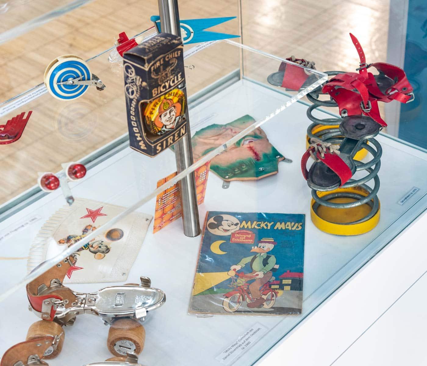 Ausstellung Mobile Kinderwelten im Deutschen Museum Verkehrszentrum in München: Sprungfeder // HIMBEER