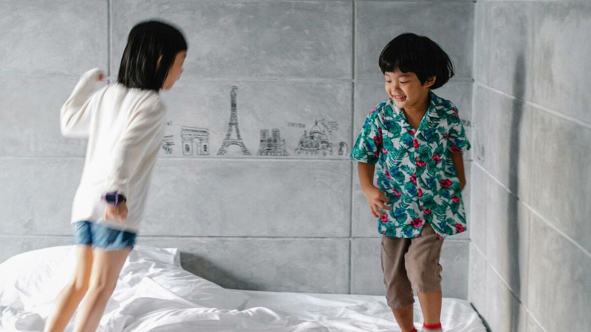 Zu Hause austoben und beschäftigen mit Kindern // HIMBEER