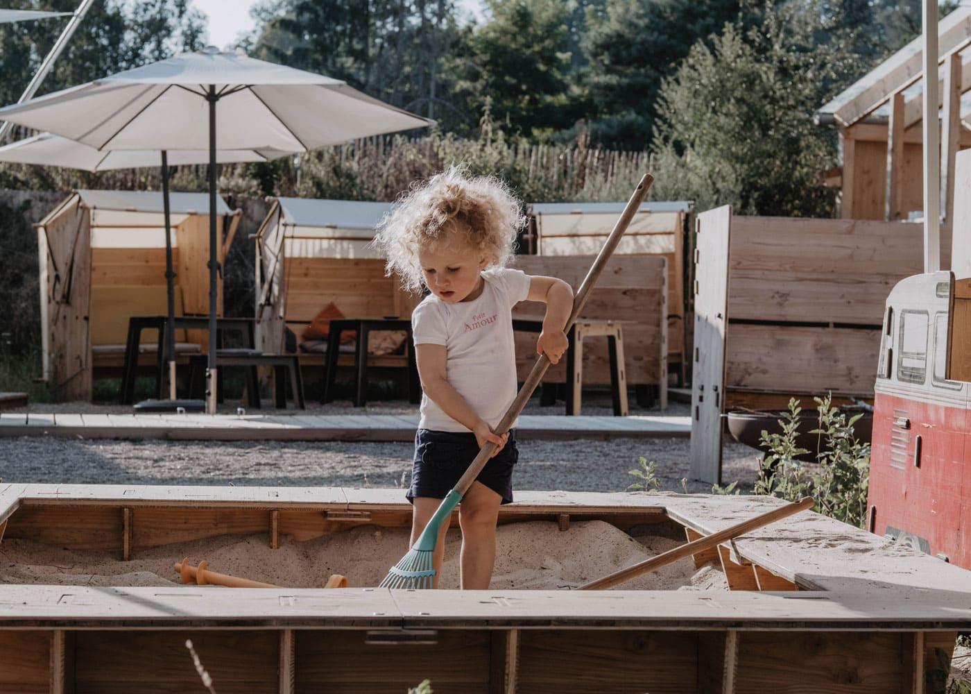 Kinderfreundliches Urlaubsdorf im Wendland: destinature // HIMBEER