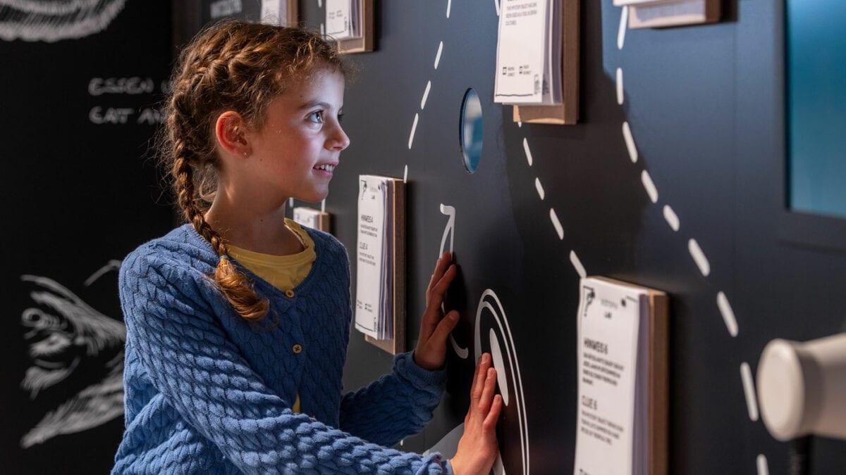 Ausstellungen und Experimente im BIOTOPIA Lab // HIMBEER
