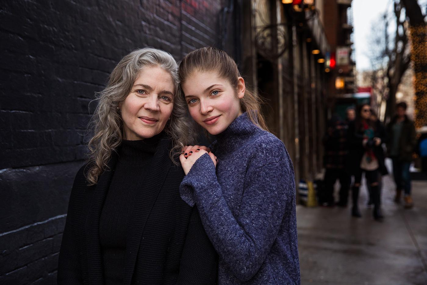 Mutter und Tochter in New York // HIMBEER