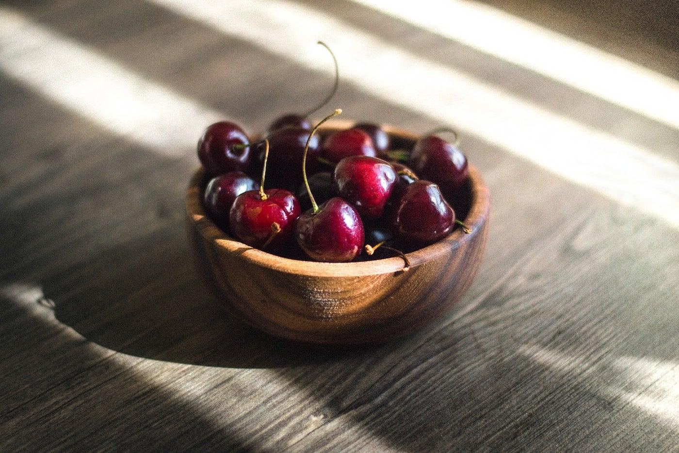 Kirschen für den veganen und zuckerfreien Milchreis // HIMBEER