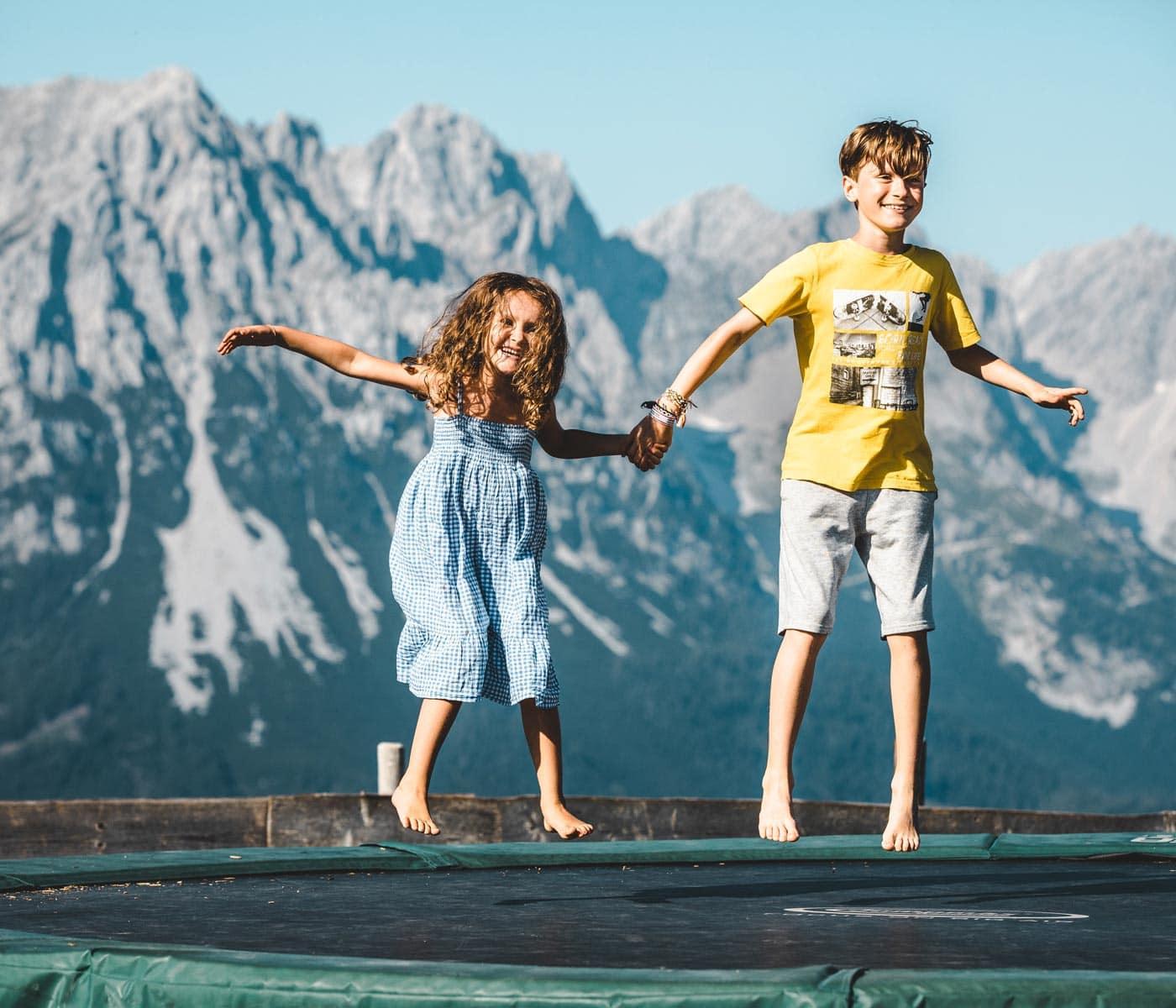 Alpine Erlebniswelt KaiserWelt – Familienurlaub mitz Kindern in Österreich // HIMBEER