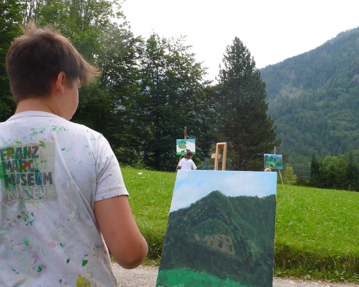 Franz Marc Museum Workshop für Kinder. Malen auf Großleinwand // HIMBEER