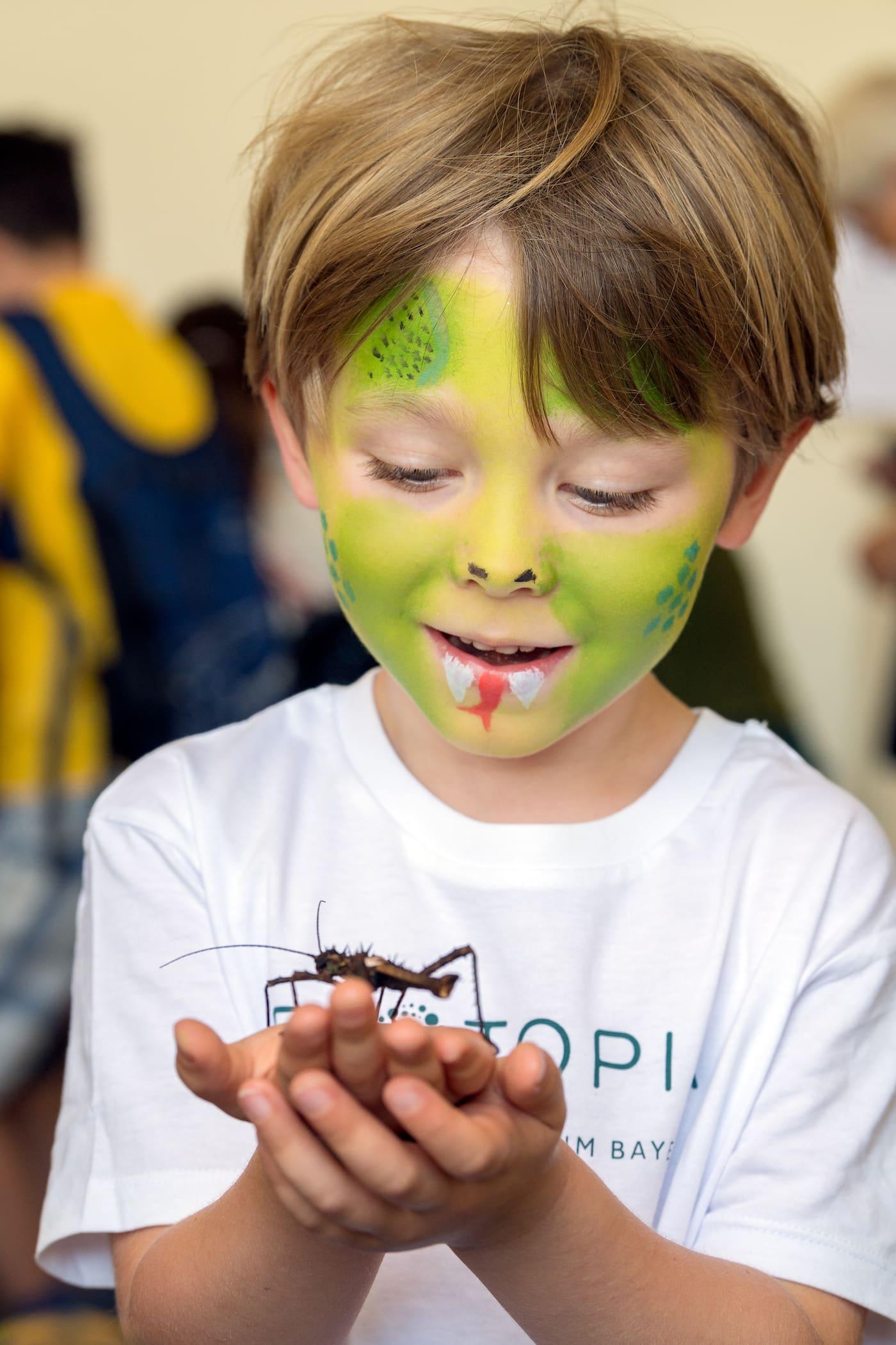 Kinder lernen und erleben Natur im BIOTOPIA Lab München // HIMBEER