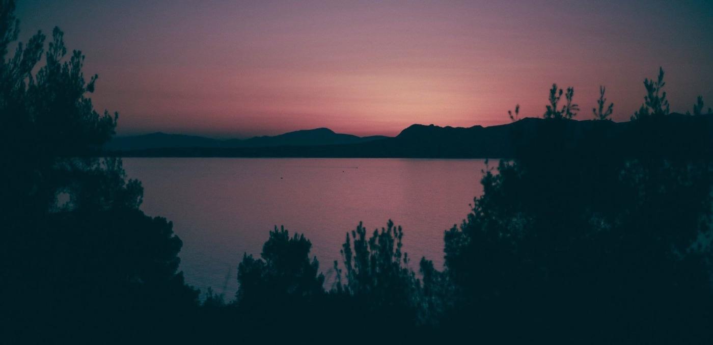 Familienurlaub auf griechischer Insel – Abendstimmung am Meer // HIMBEER