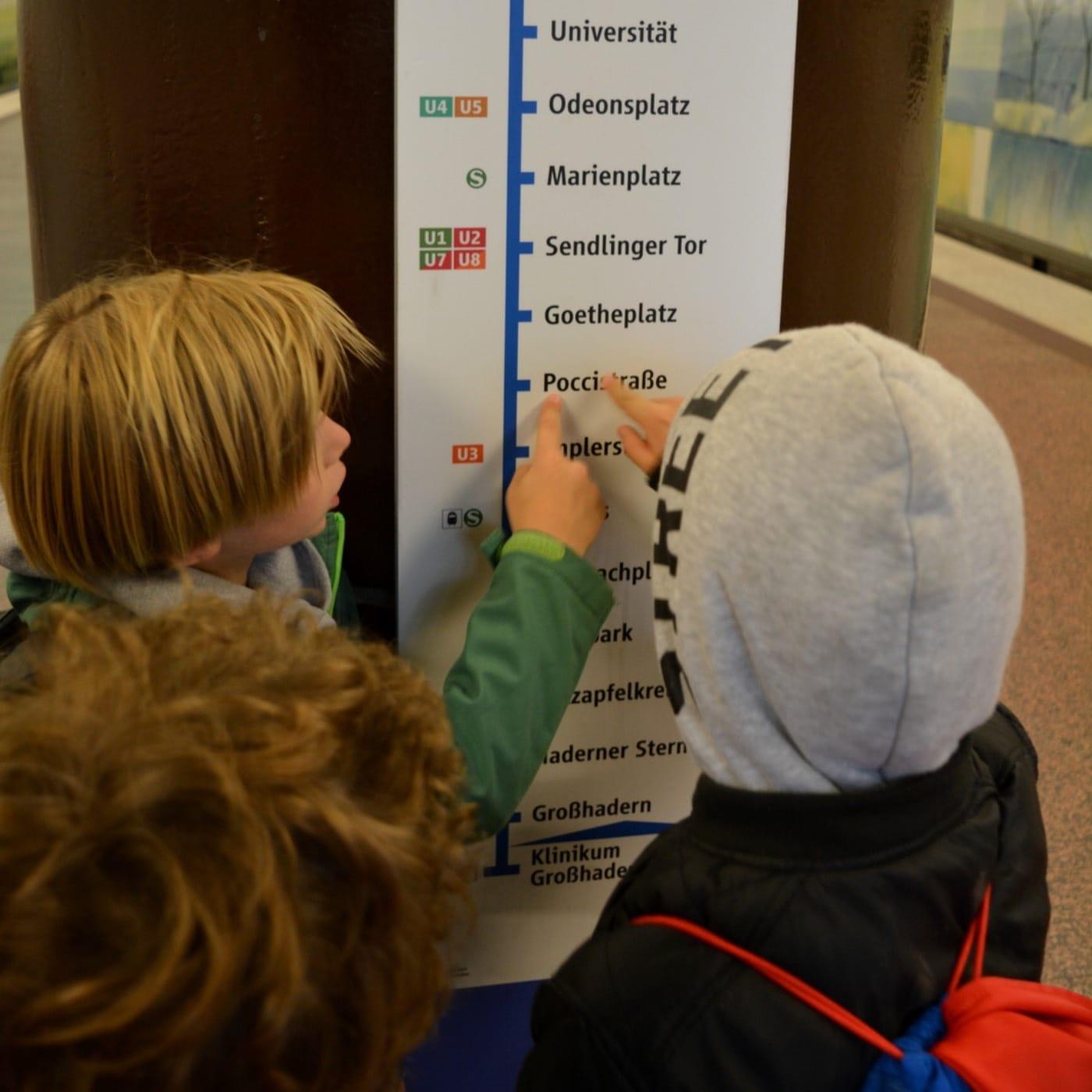 Münchner Kindertag 2021: freie Fahrt in den öffentlichen Verkehrsmitteln in München // HIMBER