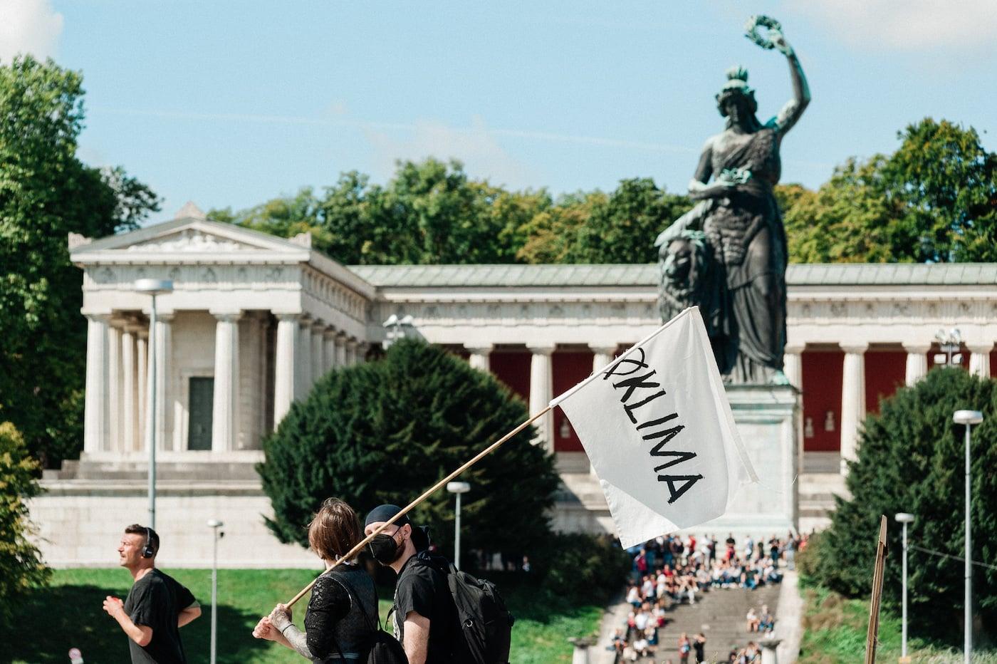 Münchner Klimaherbst.YOUTH 2021 – Stoppt den Klimawandel // HIMBEER