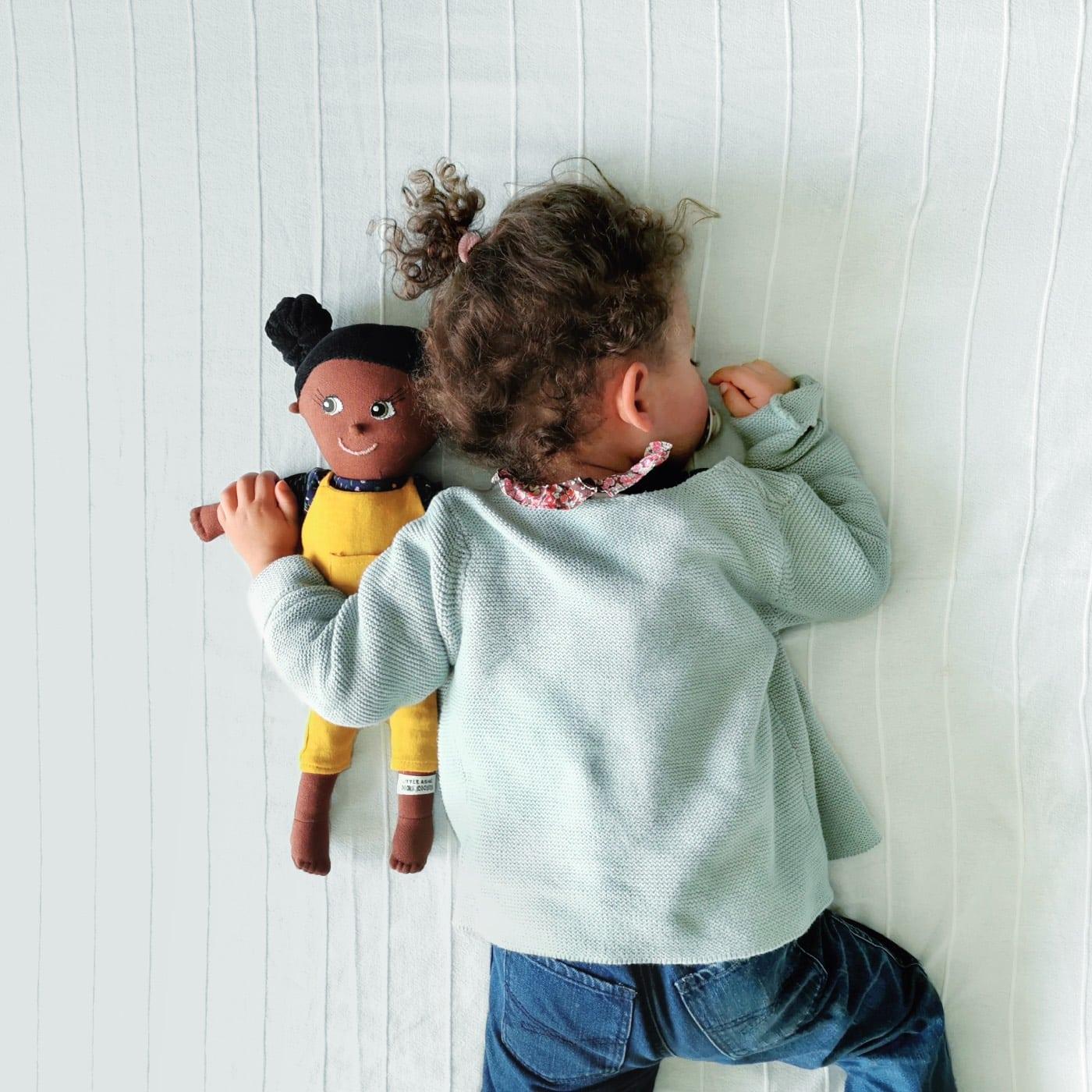 Diversität im Kinderzimmer: LITTLE ASHÉ organic friends Puppen // HIMBEER