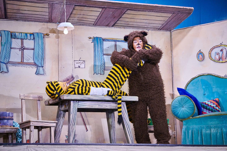Münchner Theater für Kinder - Ich mach dich gesund, sagte der Bär // HIMBEER